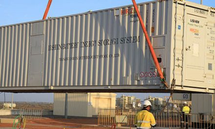 Carnarvon renewable energy trial edges closer as 2MWh of storage trucks into town